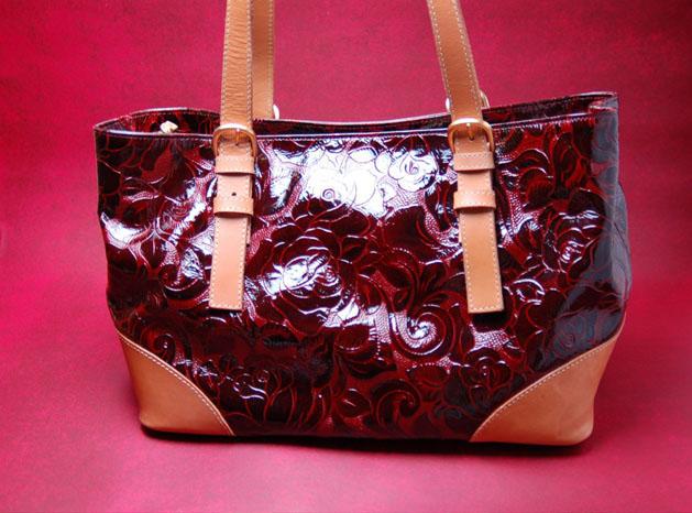 漆塗り革バッグ-1